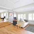Podłogi w różnych pomieszczeniach – jak wybrać najlepszy materiał?
